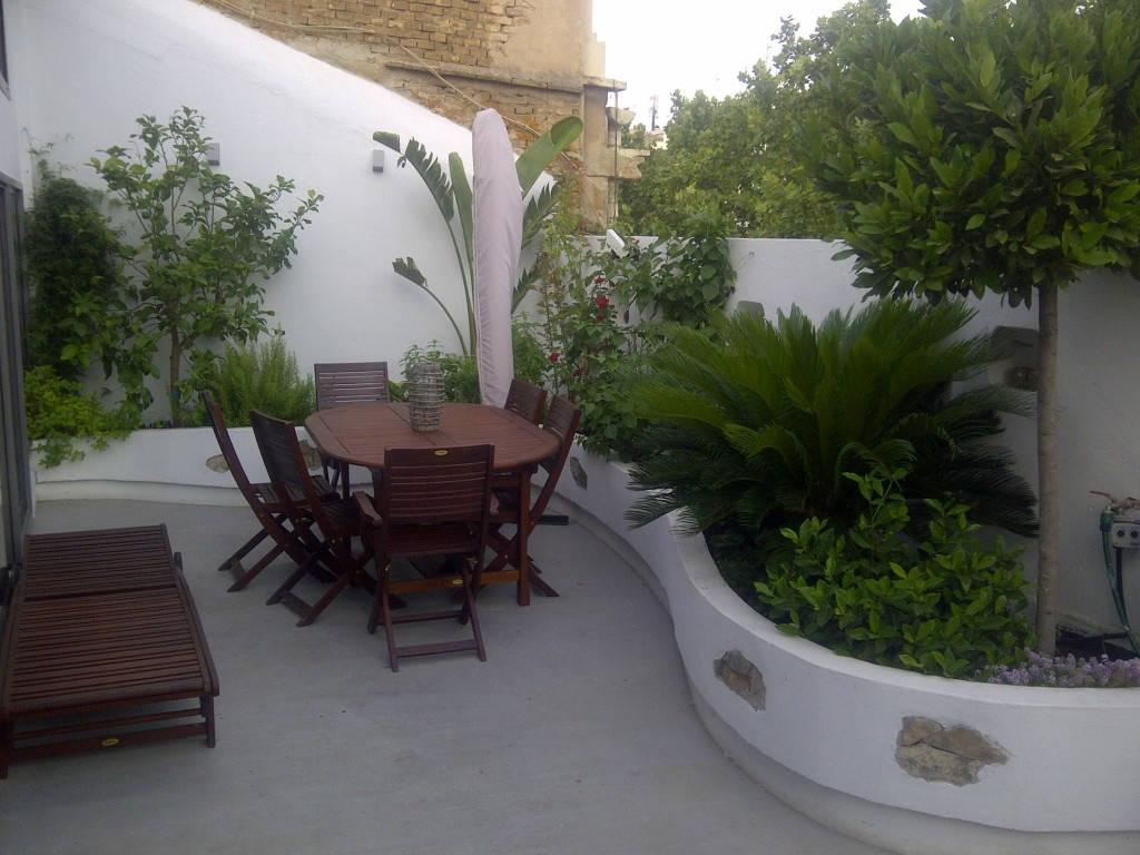 Reforma de atico duplex con terraza en el ensanche de valencia - Jardineras para terrazas ...