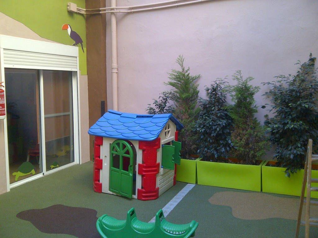 Reforma patio exterior en escuela infantil hamelin valencia espacios y proyectos - Mobiliario infantil valencia ...