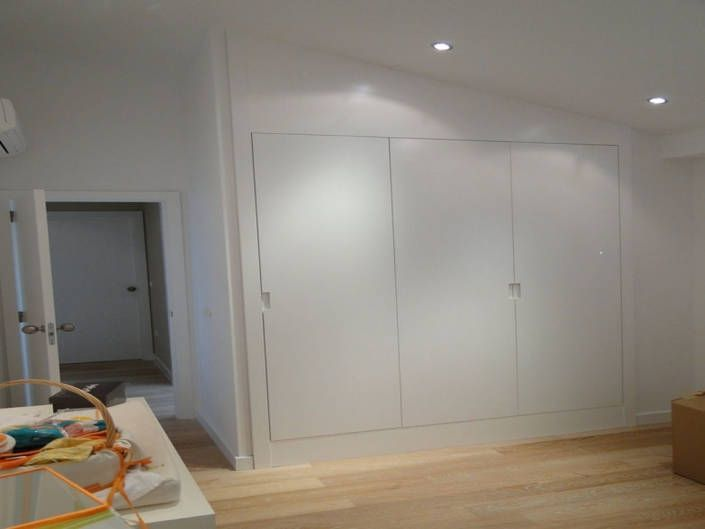 armario lacado puertas abatibles