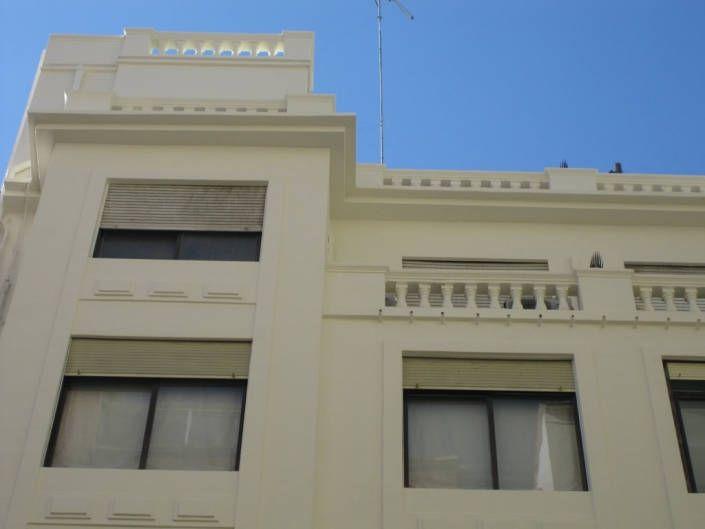 detalle fachada barandillas