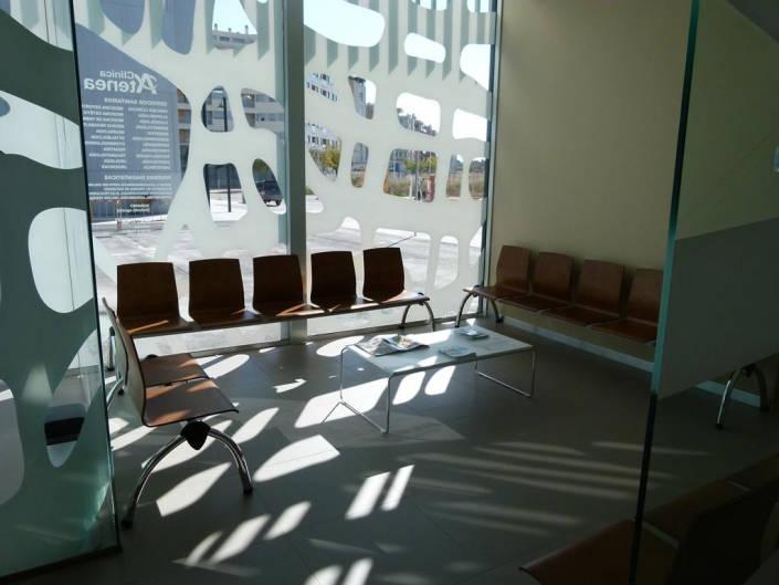 Mobiliario en zona de espera