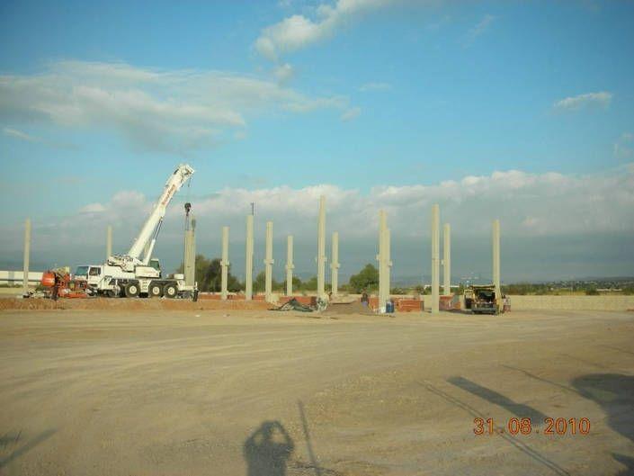 Montaje pilares prefabricados