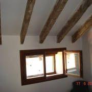 Vigas de madera restauradas